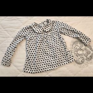 Precious, polka dot blouse w/peter pan collar.